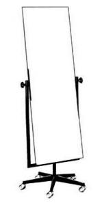 Anprobe-Schwenkspiegel aus Ø 32 mm Rohr mit 5-armigem LM-Fuß Ø 60 cm Spiegelgröße 150x50cm mit Rollen ø5 cm Gestell und Fuß beschichtet Gestell beschichtet, Fuß poliert Gestell verchromt, Fuß poliert